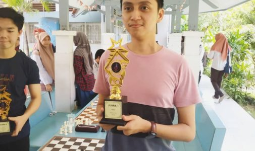 Urobaya Returns to become Champion in the Chess Tournament Event of Airlangga University Dean Cup 2019