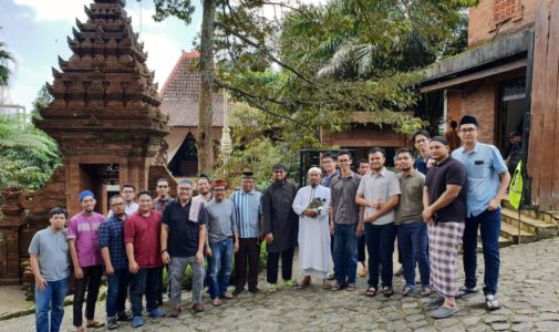 Keeping Friendships Sharpening Aqeedah: Chair of Urology Department and Urology Residents Dr. Soetomo Hospital, Airlangga University Meets Invitation to Rihlah Islamiyah in Jombang