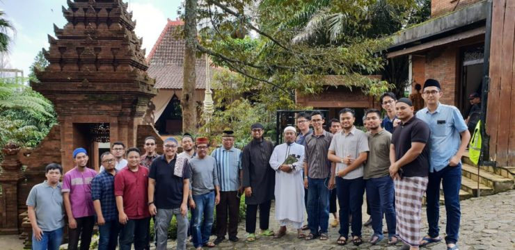 Menjaga Silaturahmi Mempertajam Aqidah : Kepala Departemen dan PPDS Urologi RSUD Dr. Soetomo, Universitas Airlangga Memenuhi Undangan Rihlah Islamiyah di Jombang